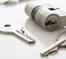 Commercial Locksmith Services in North Miami Beach, FL